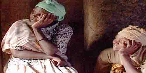 AU RWANDA ON DIT LA FAMILLE QUI NE PARLE PAS, MEURT